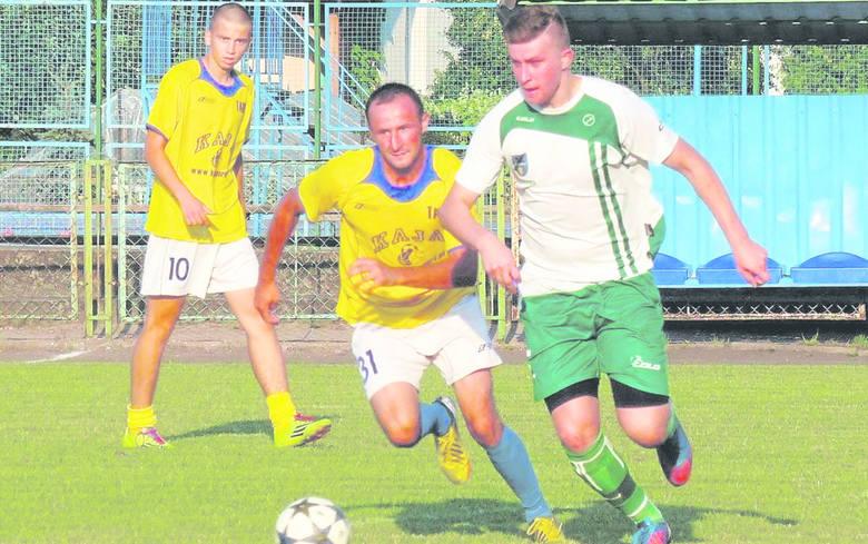 Mateusz Pradyszczuk (na zdjęciu przy piłce) ma szanse na wywalczenie miejsca w ataku Tura