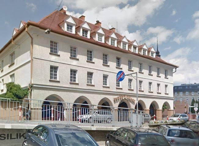 W hotelu Piast pierwsi goście festiwalowi, pracownicy obsługi hotelowej powinni się pojawić 4 czerwca. Na razie nikt nie odwoływał tej rezerwacji.