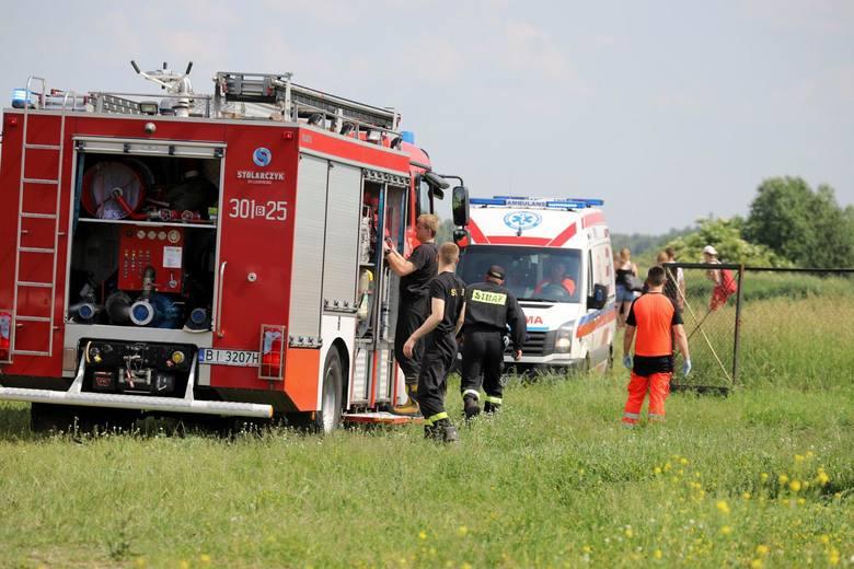 Strażacy i ekipa pogotowia ratunkowego uratowała życie niedoszłemu topielcowi z Zalewu Dojlidy