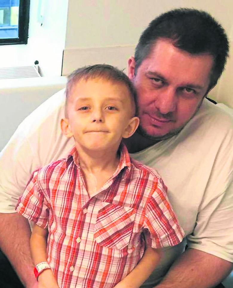 Życzenie 7-letniego Filipka: Po śmierci chcę leżeć obok mamy
