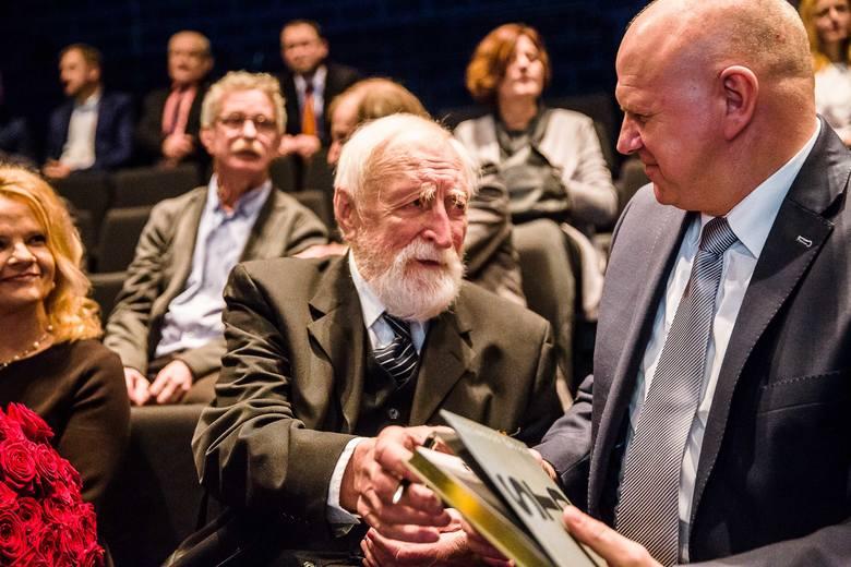 Prof. Andrzej Strumiłło w tym roku skończy 90 lat. Dalej jest aktywnym twórcą