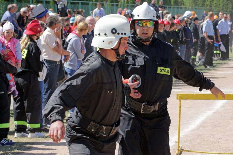 Osiemnaście drużyn Ochotniczych Straży Pożarnych z terenu gminy walczyło z trudnościami torów przeszkód na stadionie W Małym Rudniku. Najlepsi wystartują