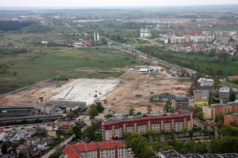 Tak wyglądał Białystok z lotu ptaka w 2008 roku. Galerie handlowe dopiero się budują, jest jeszcze stary stadion i hala Jagiellonii. Wielu budynków i