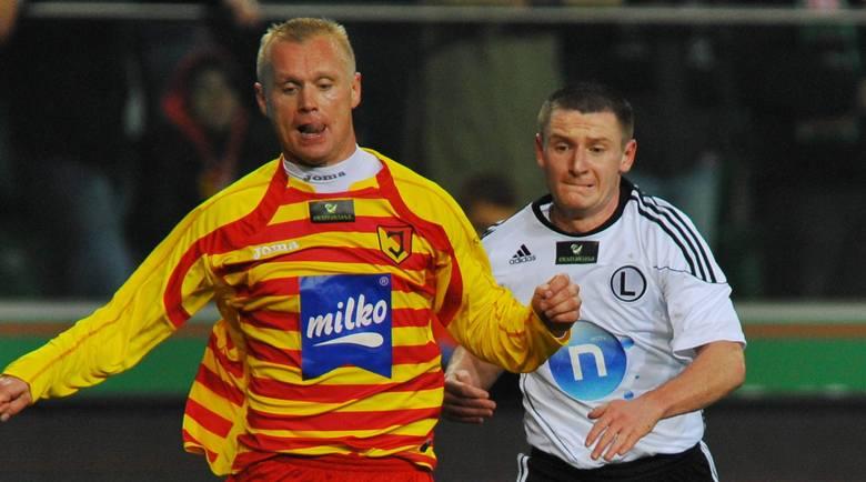 Obie drużyny spotkały się ponownie w Warszawie już w 3. kolejce. Legia nie dała nam szans i wygrała spokojnie 2:0 po bramkach Radovica.<br /> <br /> Jagiellończykom udał się jednak rewanż. W marciu 2009 roku przy Słonecznej Jaga wygrała 2:1. To był dramatyczny mecz. W pierwszej połowie bramki...