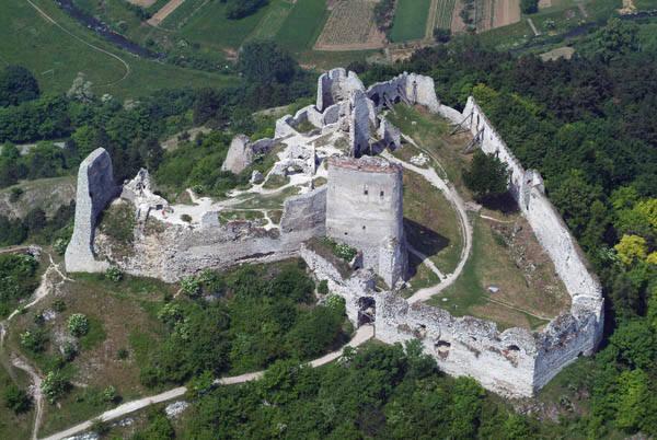 Ruiny zamku w Čachticach
