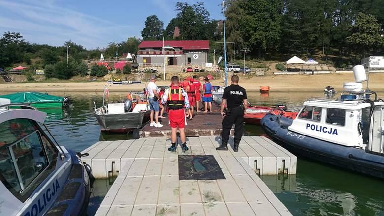 Czwarty dzień poszukiwań żeglarza na Jeziorze Nyskim