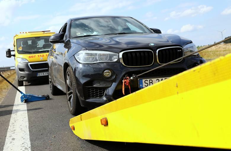 Pijany Kamil D. spowodował kolizję na autostradzie A1 pod Piotrkowem. Dziennikarza zatrzymała policja