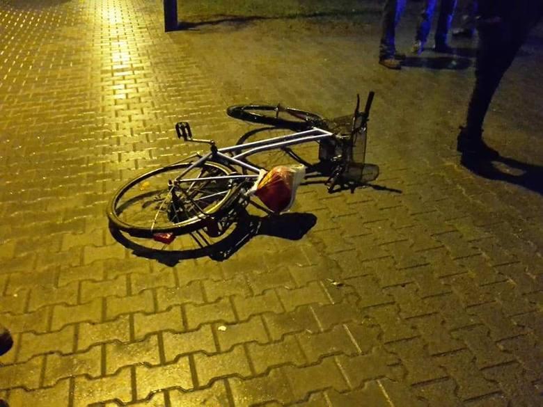 Do potrącenia rowerzystki doszło w środę, 2 stycznia, około godz. 6.40, na ul. Berwińskiego w Kargowej. Na miejsce zdarzenia dojechała jednostka OSP