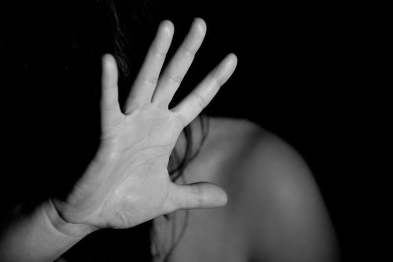 Prezentujemy gminy w regionie radomskim, w których w roku 2020 najczęściej dochodziło do przestępstw na tle seksualnym w przeliczeniu na 10 tysięcy mieszkańców.