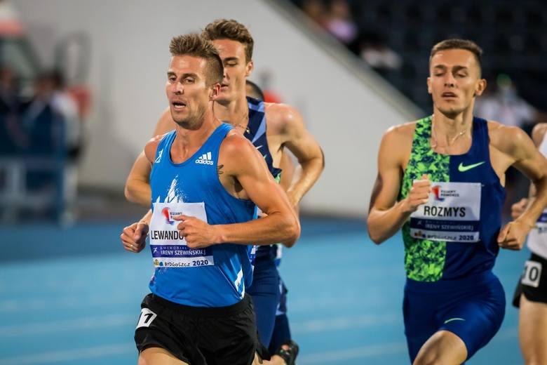 Pojedynek Marcina Lewandowskiego (na zdjęciu w niebieskiej koszulce) z Adamem Kszczotem w biegu na 1500 m będzie z pewnością ozdobą poznańskiego mit