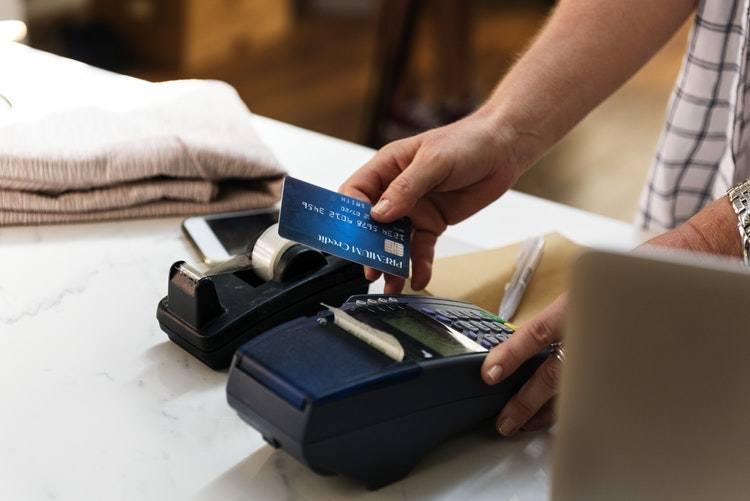 Kolejny duży bank ostrzega klientów. mBank ostrzega przed kolejnym groźnym oszustwem, które może pozbawić klientów pieniędzy.
