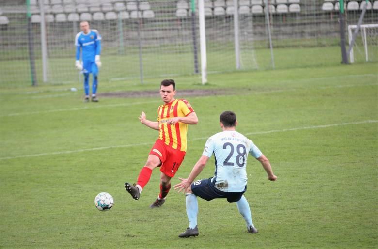 3 liga. Korona II Kielce przegrała z Avią Świdnik 0:3 i jest sytuacja w walce o utrzymanie jest coraz trudniejsza [ZDJĘCIA]