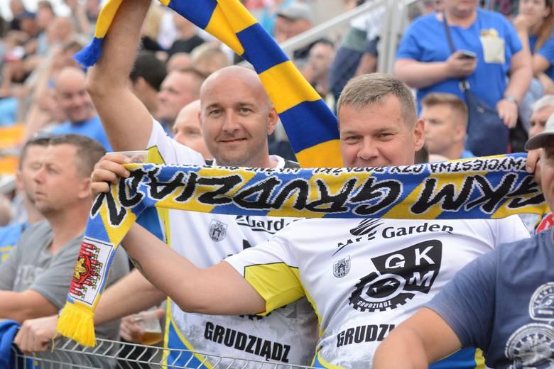 MrGarden GKM Grudziądz pokonał Get Well Toruń 55:35 w pierwszym w tym sezonie meczu obu drużyn. Na torze żużlowcy walczyli o punkty, na trybunach kibice
