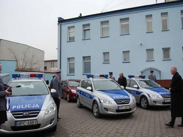 20-latek z Bydgoszczy bez prawa jazdy i z policyjnym kogutem na dachu