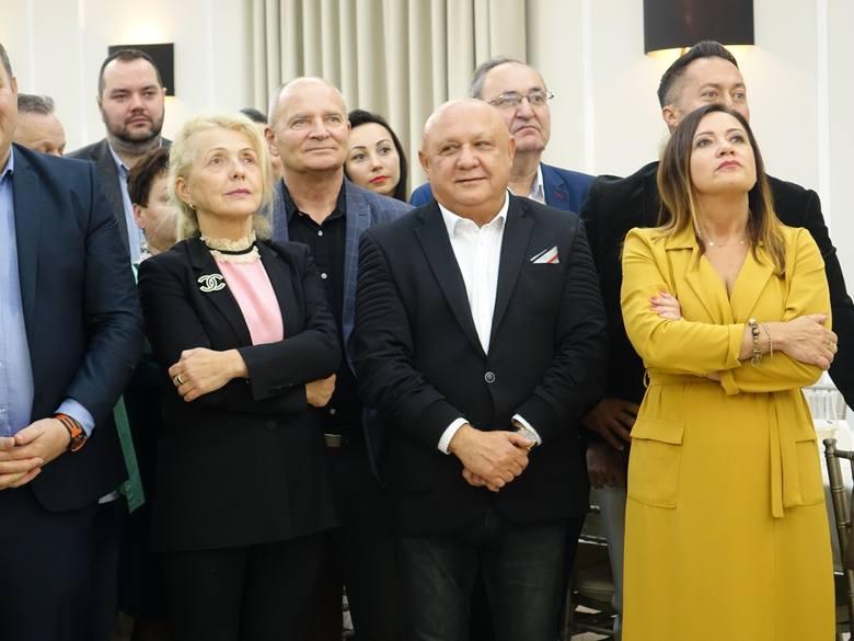 Wybory Parlamentarne 2019. Sztab Koalicji Obywatelskiej w Koszalinie po ogłoszeniu wyników wyborów.
