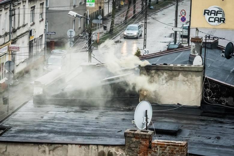 Ranking najbardziej zanieczyszczonych miast regionu łódzkiego według raportu WHO (Global Urban Ambient Air Pollution Database 2016). Porównaliśmy stężenie