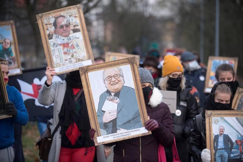 Tego nikt się nie spodziewał! Ojciec Tadeusz Rydzyk trafi przed sąd. Redemptoryście z Torunia grozi nawet 10 lat więzienia. Powód? Ojciec Tadeusz Rydzyk