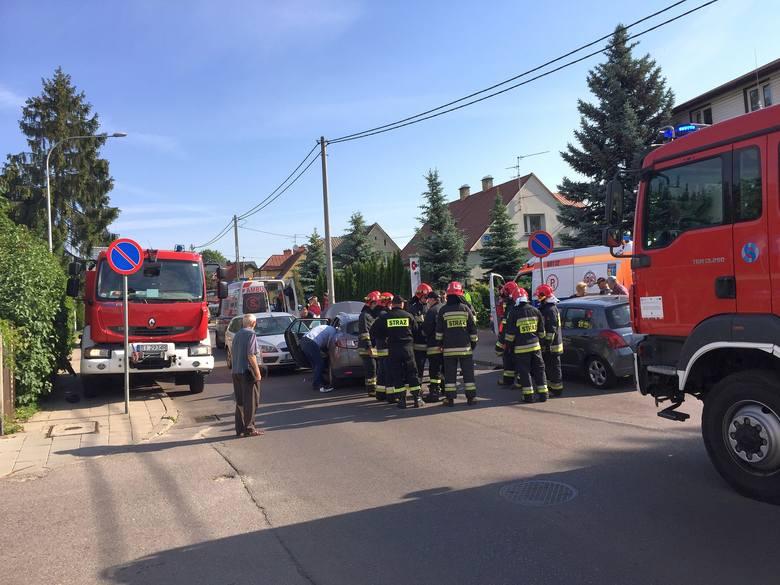 Wypadek na ul. Gajowej w Białymstoku. Trzy osoby zostały ranne.