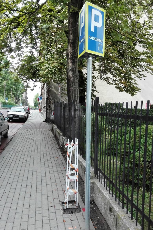 Parkomaty w Bielsku-Białej zastąpią parkingowych. Miejsca są już przygotowane