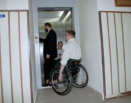 Dzięki tej windzie uczniowie niepełnosprawni będą mieli dostęp do wszystkich sal i pracowni