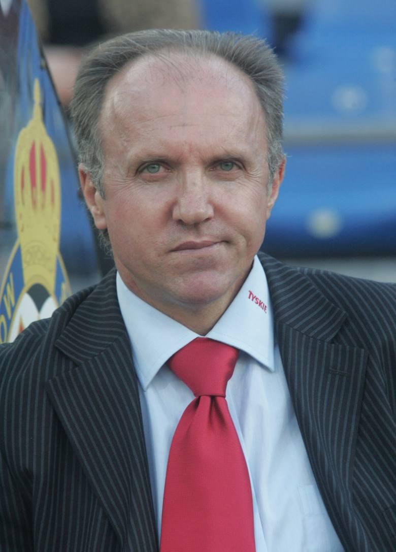 Największy sukces odniósł z Legią Warszawa, później do Polski wrócił w roli szkoleniowca Wisły Kraków. Białą Gwiazdę poprowadził tylko w 13 spotkaniach,