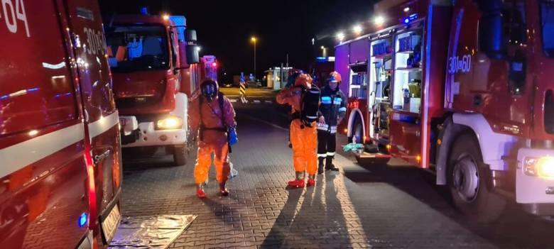 Lublin: Wyciek toksycznej substancji w jednej z hal magazynowych. Na miejscu pracowało 7 zastępów straży pożarnej. Zobacz zdjęcia