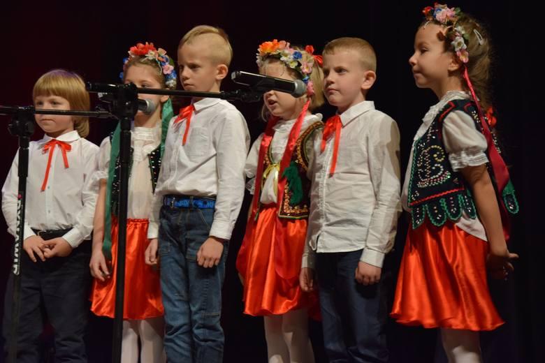 śpiew Taniec Wiersze Festiwal Piosenki Patriotycznej W