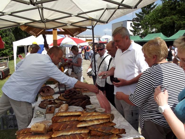 Święto Wsi 2015 w CiechocinieSwojskie specjały cieszyły sie dużym powodzeniem