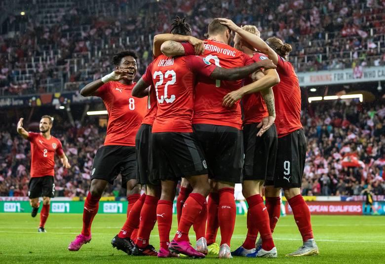 Reprezentacja Polski nie ma czasu na rozpamiętywanie porażki 0:2 ze Słowenią. Już w poniedziałek o 20.45 Biało-Czerwoni podejmą na PGE Narodowym w Warszawie
