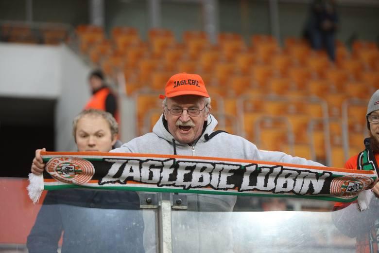 W niedzielnych derbach Dolnego Śląska KGHM Zagłębie Lubin pokonało przed własną publicznością Śląsk Wrocław 3:1 (0:0). Spotkanie oglądało 5623 widzów.