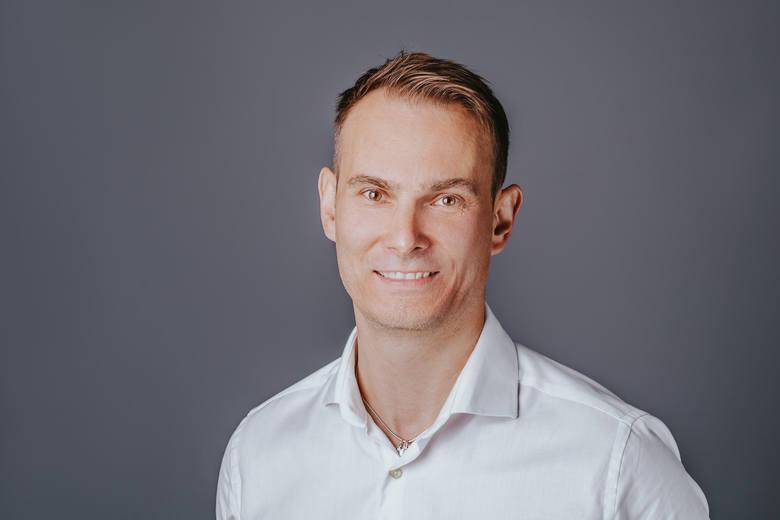 Adam Sikorski, Director Knowledge Center w Hapag-LloydLinkedin