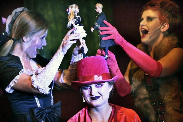 Aktorki dwoją się i troją, animują nawet lalki Barbie i Kena