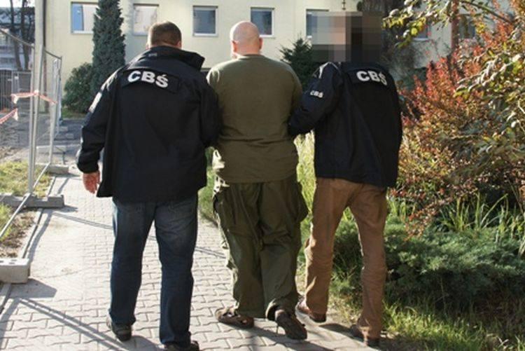 CBŚ rozbiło gang handlarzy bronią i amunicją (zdjęcia, wideo)