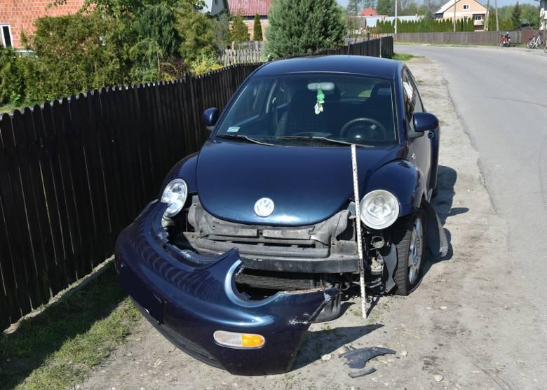 23-latek z gminy Grębów kierując peugeotem uderzył w volkswagena. Mężczyzna był nietrzeźwy