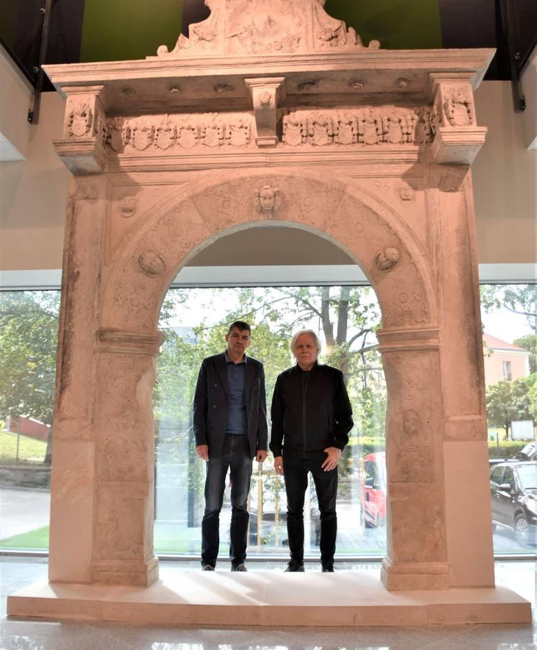 Po nowej części Muzeum Ziemi Lubuskiej w Zielonej Górze 17 lipca 2020 r. oprowadzali nas dyrektor MZL Leszek Kania i jego zastępca Longin Dzieżyc