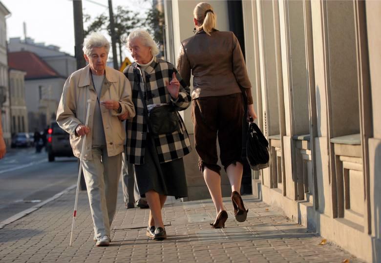 Dokładnie 19 stycznia na sejmowej komisji odbyło się pierwsze czytanie projektu ustawy ws. wypłaty czternastej emerytury. Pieniądze mają trafić do około