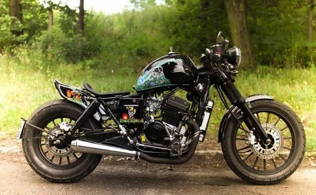 Wyjątkowa wersja słynnego Junaka przekazana na aukcję przez dziennikarza Aleksandra Ostrowskiego i Motoculturę7<br /> <br /> Obecna cena: 8 199 zł<br /> <strong><a href=