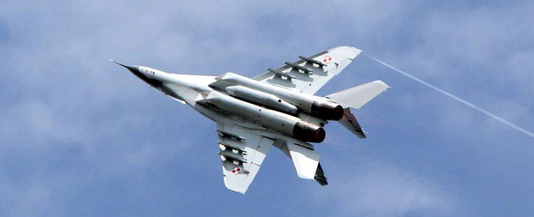 """""""Orli Szpon"""" realizować będzie na zachodniopomorskim niebie m.in. chluba polskiego lotnictwa bojowego – samolot F-16 """"Jastrząb""""."""