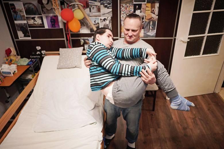 Albert Radomski już do końca życia będzie wymagał całodobowej opieki