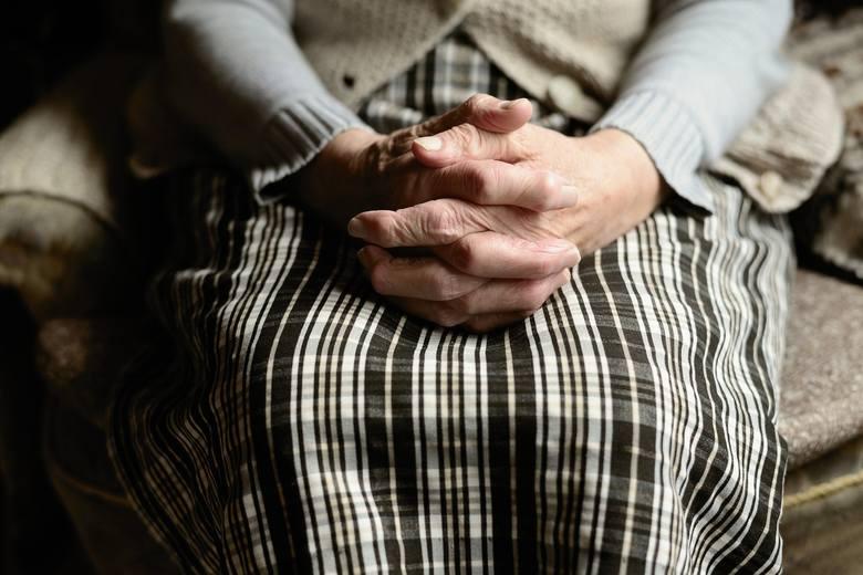 W Przemyślu ruszyła samopomoc w związku z pandemią koronawirusa. Wsparcie kierowane jest szczególnie do osób starszych.