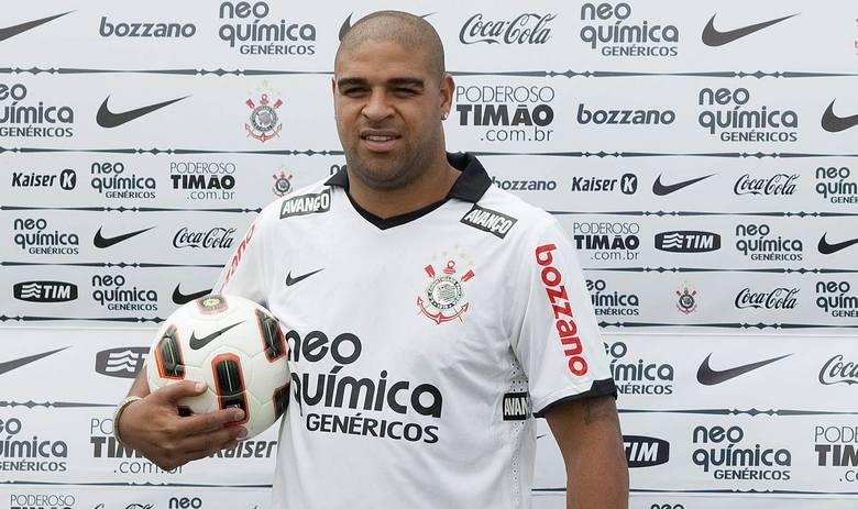 Brazylijski napastnik uznawany był za piłkarza niezwykle utalentowanego, choć mentalnością nie nadawał się do wielkiego futbolu. Adriano był napastnikiem