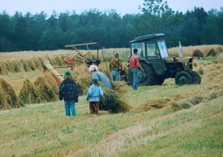 Przez ostatnie 20 lat na podlaskiej wsi sporo się zmieniło, ale dzięki zdjęciom naszych fotoreporterów, dziś możecie sprawdzić, jak wyglądały nasze wsie
