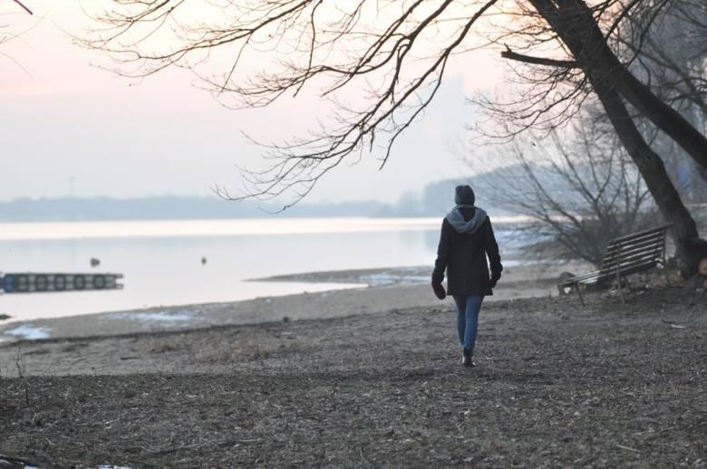 Ilość wody w jeziorze dużym po zimie wzrosła już prawie do 65 mln metrów sześciennych, czyli blisko poziomu z ubiegłego roku. Wówczas zakwit był - w