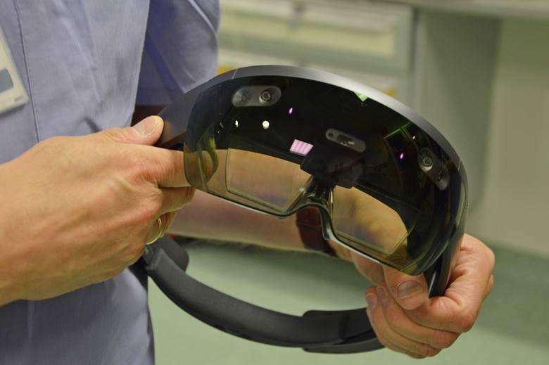 W szpitalu Biegańskiego w Łodzi operują w goglach 3D