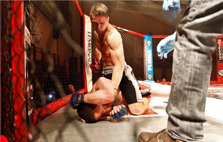 Klatki pełne herosów. Gala MMA w Rzeszowie
