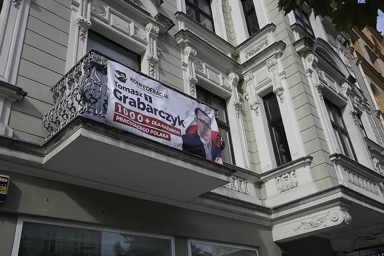 Materiały wyborcze kandydatów do parlamentu naruszają uchwałę o Parku Kulturowym Ulicy Piotrkowskiej. Biuro Miejskiego Konserwatora Zabytków wezwało