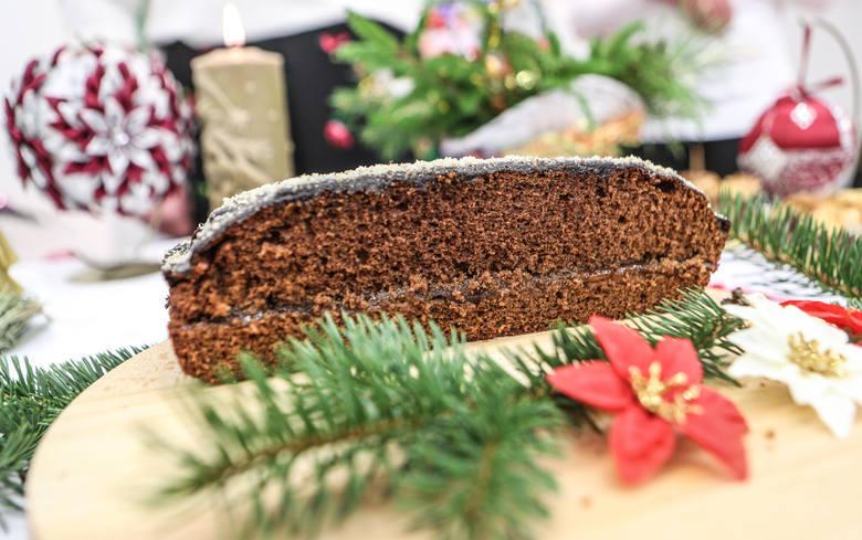 Zobaczcie TOP 10 słodkości na świąteczny stół popularnych na Podkarpaciu i polecanych przez Koła Gospodyń Wiejskich. Podajemy również sprawdzone przepisy.Na