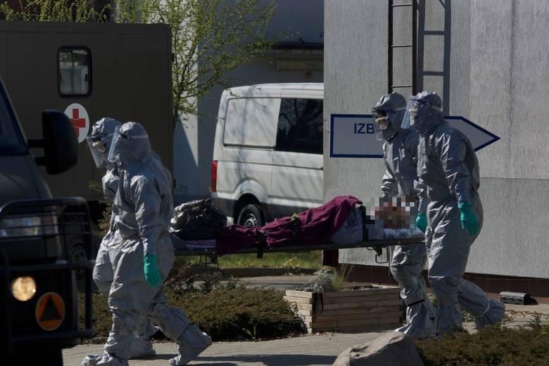 W centrum opieki długoterminowej Salus w Kaliszu zakażonych zostało kilkudziesięciu pacjentów oraz personel. Podopieczni placówki zostali ewakuowani