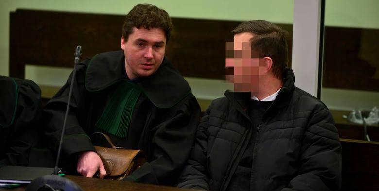 Wykorzystując prywatne kontakty dotarła pani do księdza, który zorganizował od archidiecezji wrocławskiej pieniądze na terapię Arka. Dzięki łańcuszkowi
