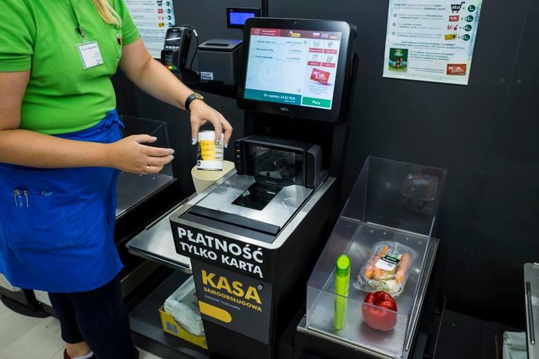 Pracownicy sklepu Biedronka wraz z nadejściem Nowego Roku otrzymali większe wynagrodzenie.  Zmianom uległy zasady wypłacania premii za wyniki oraz nagrody